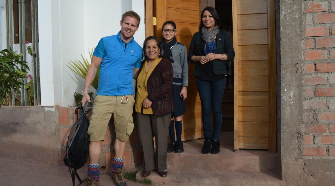 A family hosts a medical gap year student in Peru